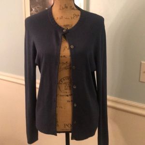 💙Lovely blue J.CREW button down sweater size Med